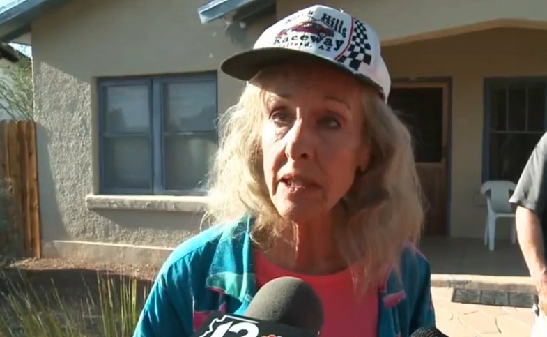 woman survives desert, desert survival, close call, 72 year old woman,