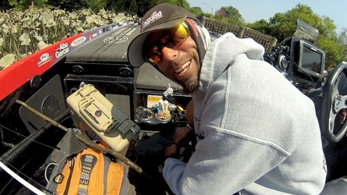 Exclusive Video: A Clutch Moment With Mike Iaconelli On The Delaware River