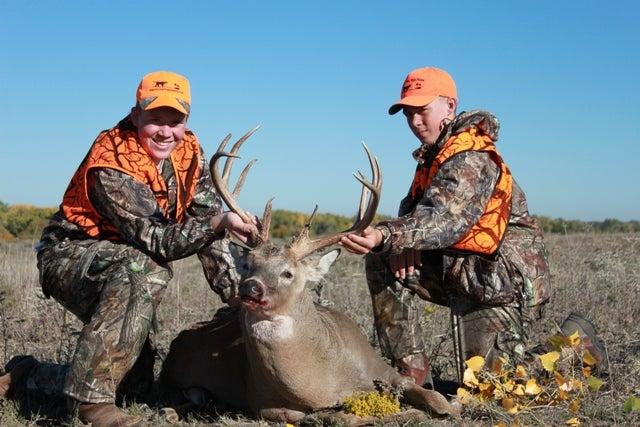 httpswww.fieldandstream.comsitesfieldandstream.comfilesimport2014importBlogPostembed2012_October_Reagan_Hoover_OK_buck_rifle.jpg