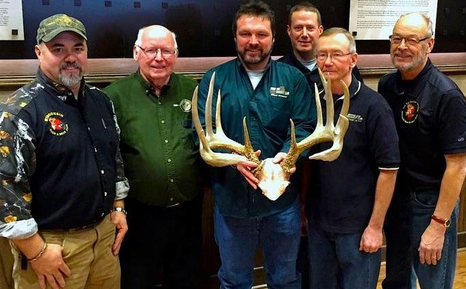 New Archery Whitetail Record in Wisconsin