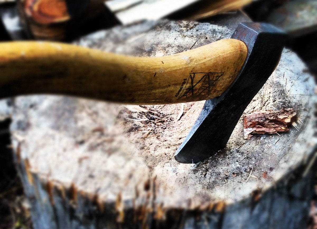 Four Ways to Sharpen Your Knife, Axe, and Splitting Maul