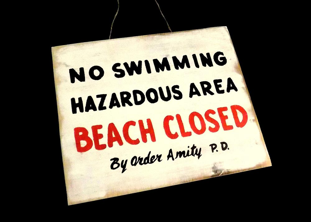 Jaws closed beach sign