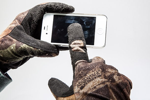 Outdoor Skills: Make Smartphone-Friendly Gloves