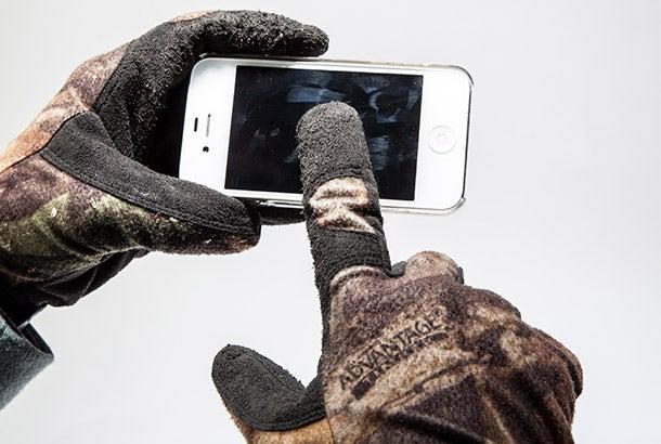 Outdoor Skills: Make Smartphone-Friendly Gloves