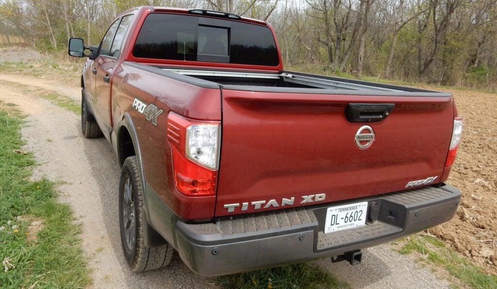 nissan titan, nissan titan review, 2016 nissan titan review, truck review, pickup truck review