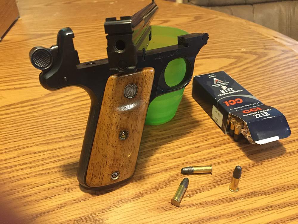 smith and wesson straight line handgun