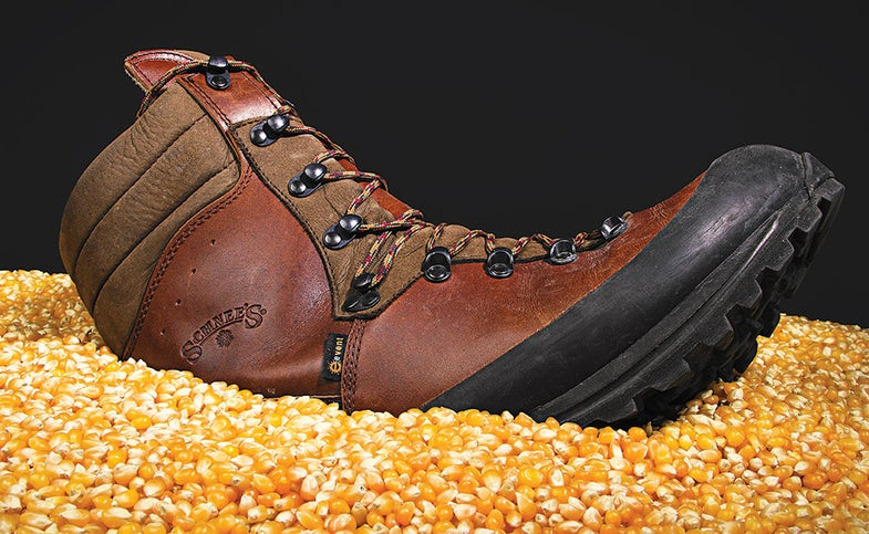 Schnee's boots