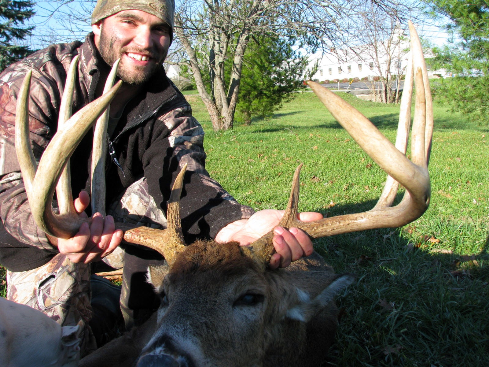 One Shot, One Kill: Kentucky Hunter Tags 180-Class Perfect 10-Point Typical