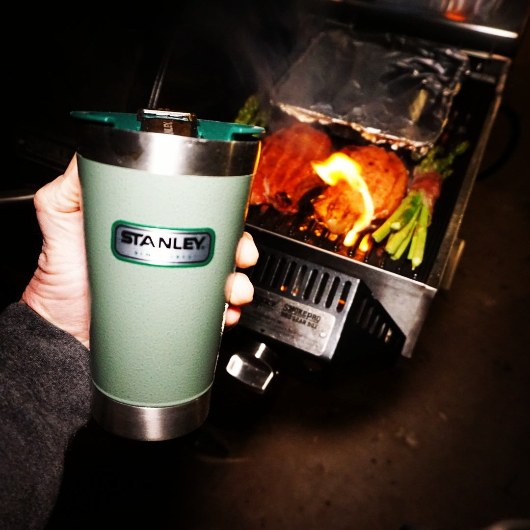 field and stream, david draper, wild chef, stanley, yeti, thermos, best thermoses, classic gear, vintage gear, hunting, fishing, gear, old school gear, Stanley Classic Vacuum Pint Tumbler, bass pro shop