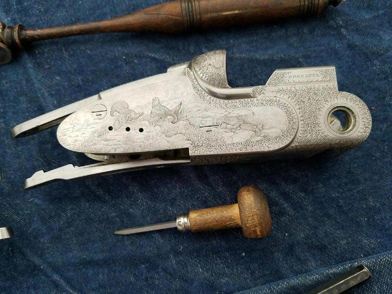 bird hunting engraving beretta shotgun