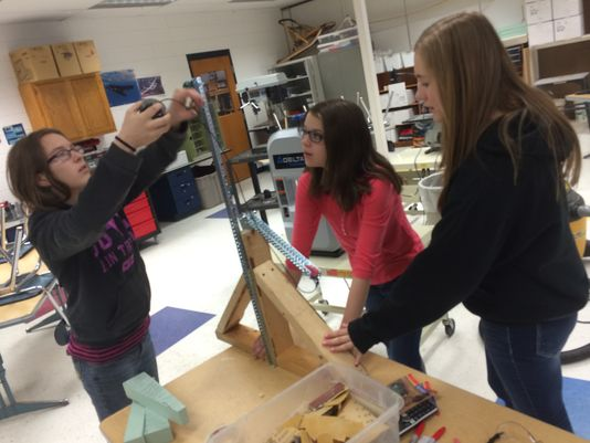 Middle Schoolers Build Modified Fishing Rod for Paralyzed Principal