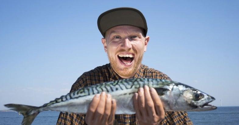 Danish Designers Create FishyHands, a Catch Enlarger