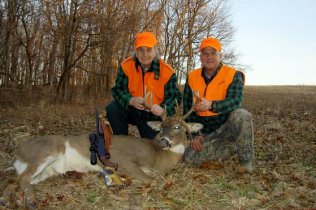 httpswww.fieldandstream.comsitesfieldandstream.comfilesimport2014importBlogPostembedGiant_Midwest_Buck.jpg