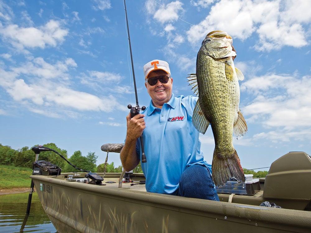 Bill Dance fishing tv host