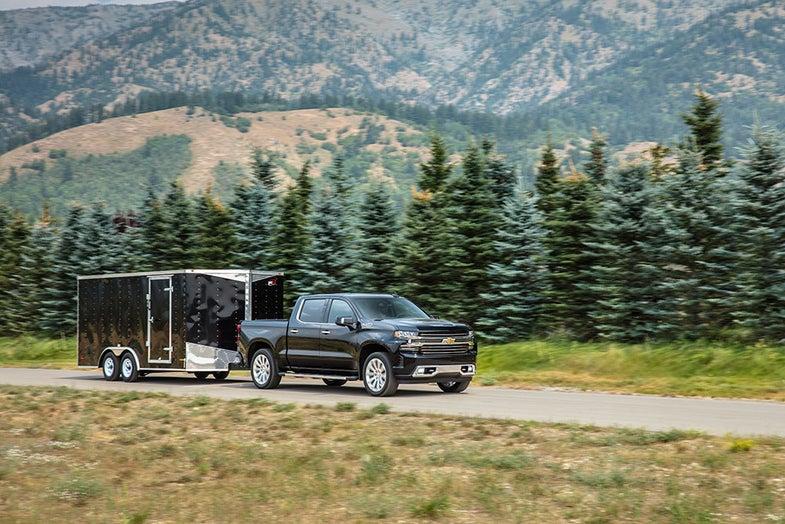 chevrolet silverado 2019 model towing trailer