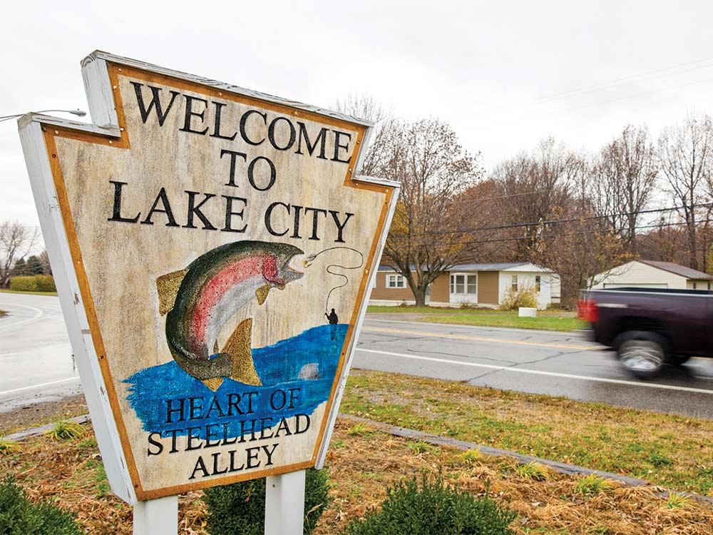 lake city pennsylvania city sign