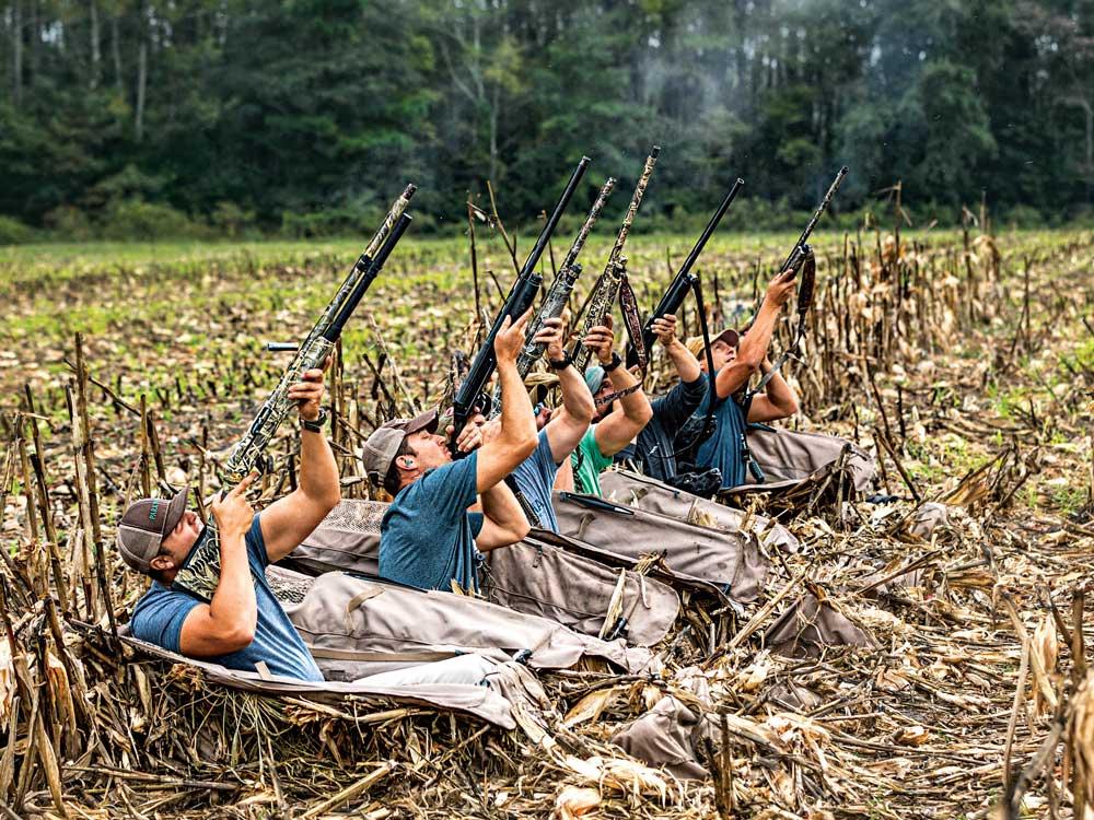 canadian geese hunting buddies shooting
