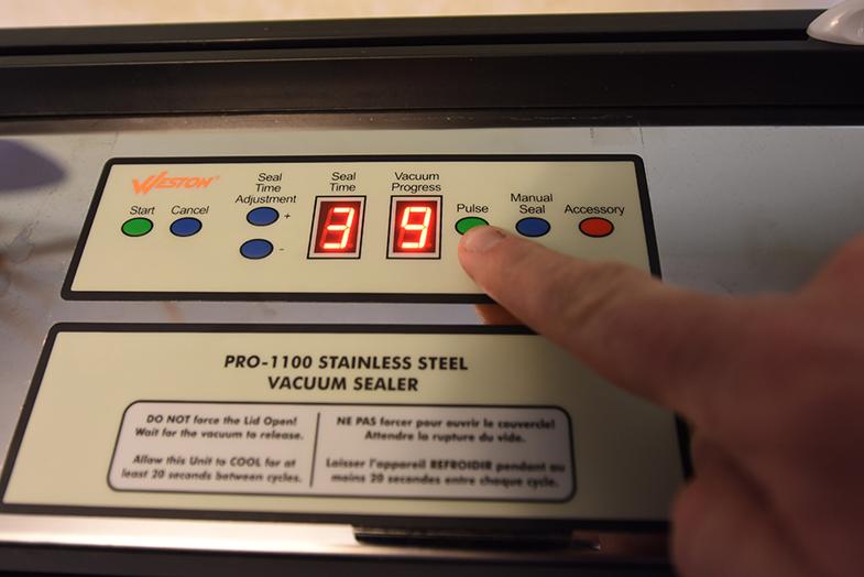Kitchen Gear Review: Weston Pro 1100 Vacuum Sealer