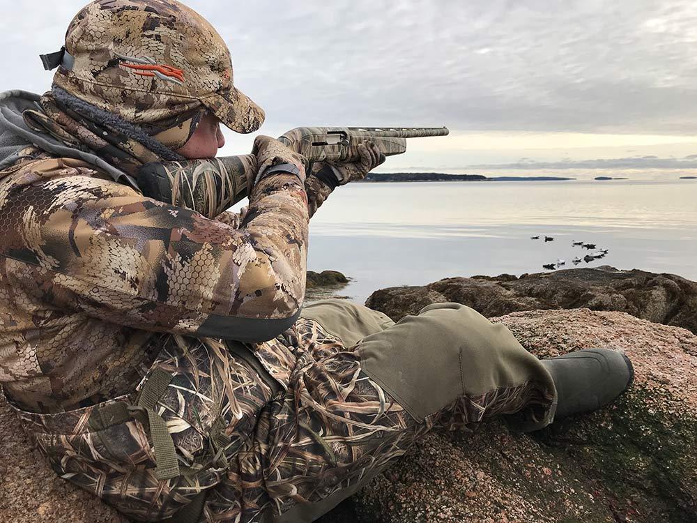 shotgun hunting waterfowl