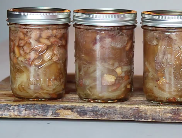Video: How to Make Teal in a Jar