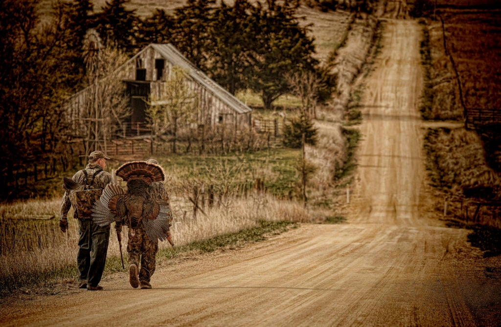 httpswww.fieldandstream.comsitesfieldandstream.comfilesimport2014importImage2012photo62609Mitch_Kezar_13N-6-447A.jpg