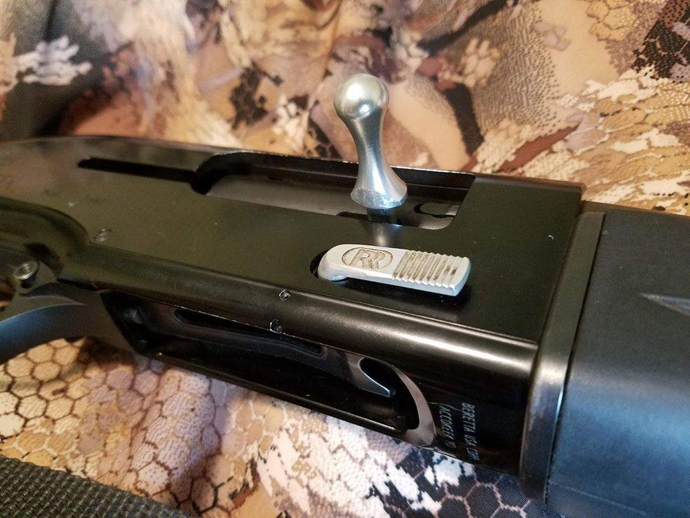 bolt handle on beretta 3901 shotgun