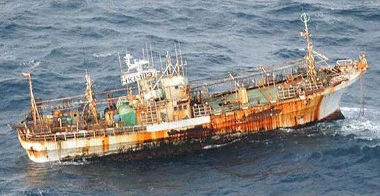 httpswww.fieldandstream.comsitesfieldandstream.comfilesimport2014importBlogPostembedTsunami-ghost-ship_2177088b.jpg