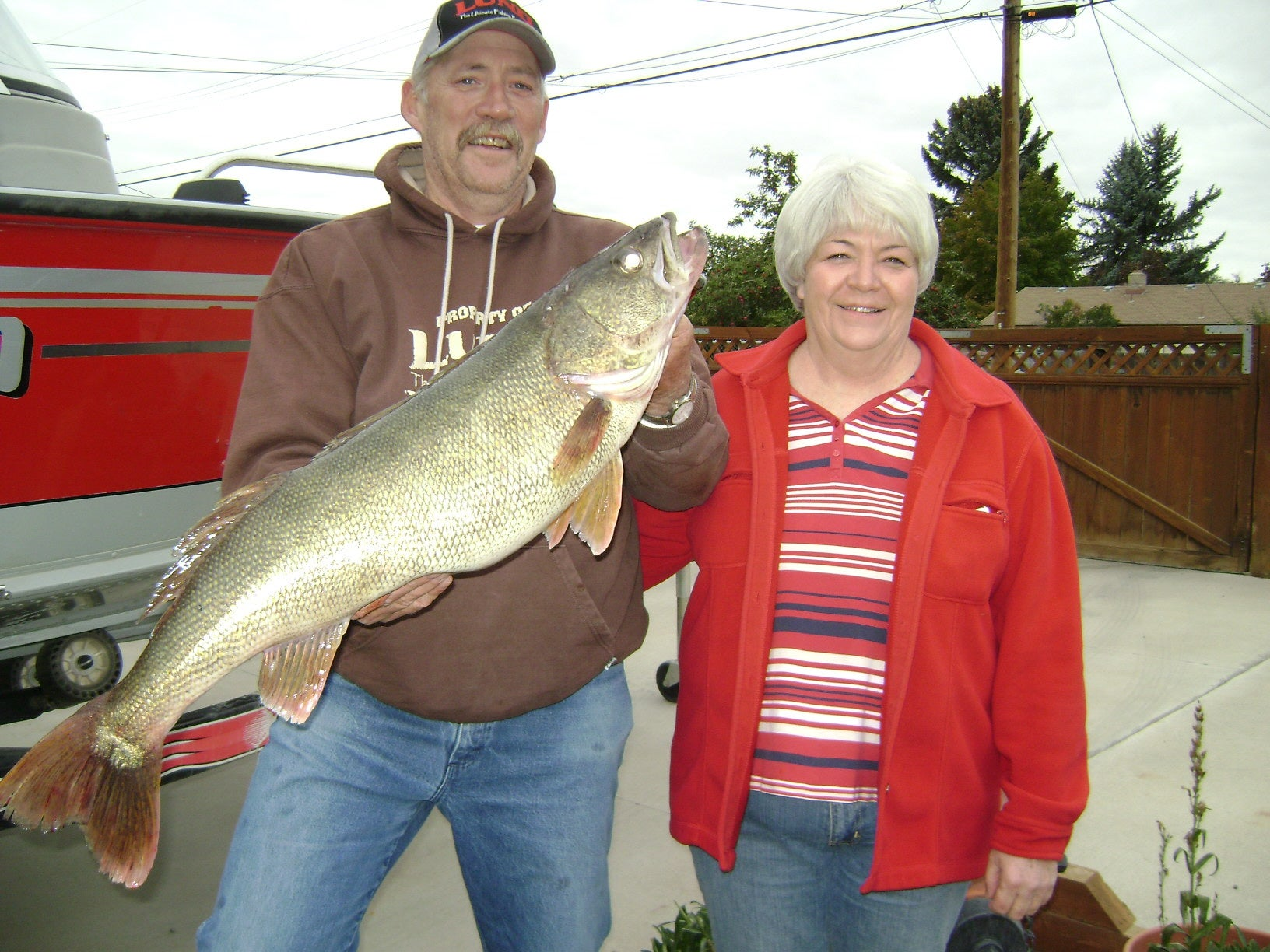 Twin Falls Angler Catches Idaho State Record Walleye in Oakley Reservoir