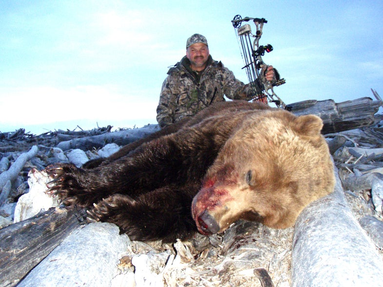 The Story of the World Record Grizzly That Almost Didn't Make The Books