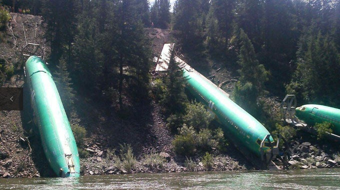 Video: Boeing 737 Fuselages End Up in Montana's Clark Fork River