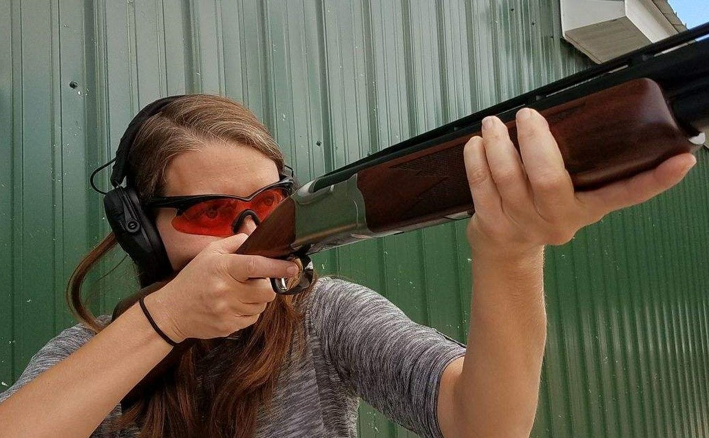 two-eyed shooting aiming