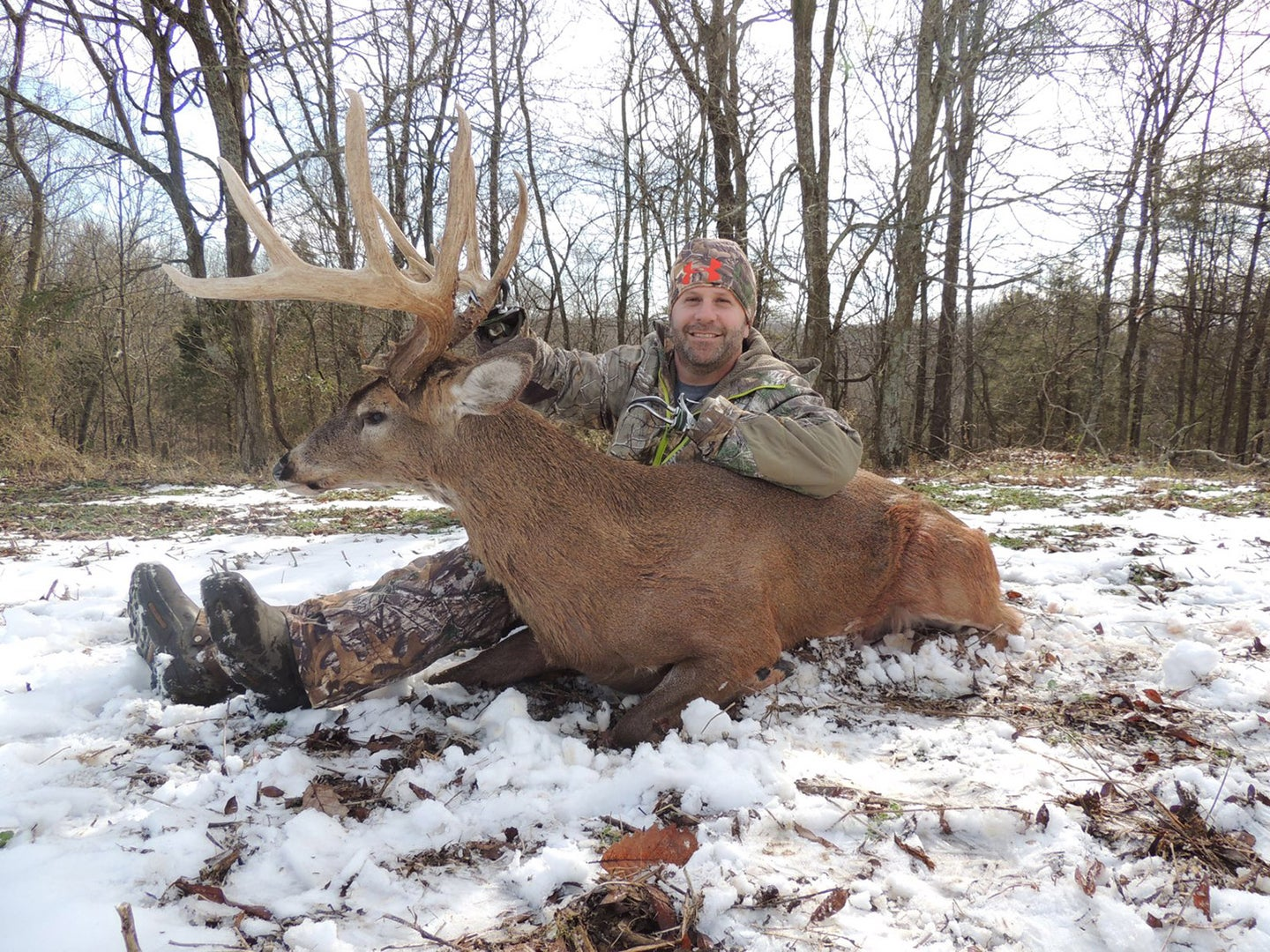 Kentucky Deer Hunter With Two Prosthetic Arms Takes a Massive 10 Pointer