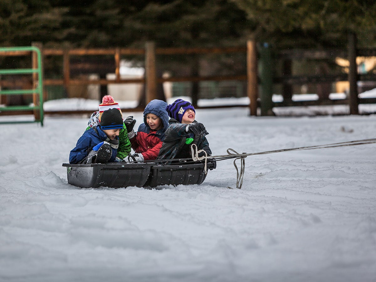Three Things Consider Before You Buy Snow Pants for Your Kids