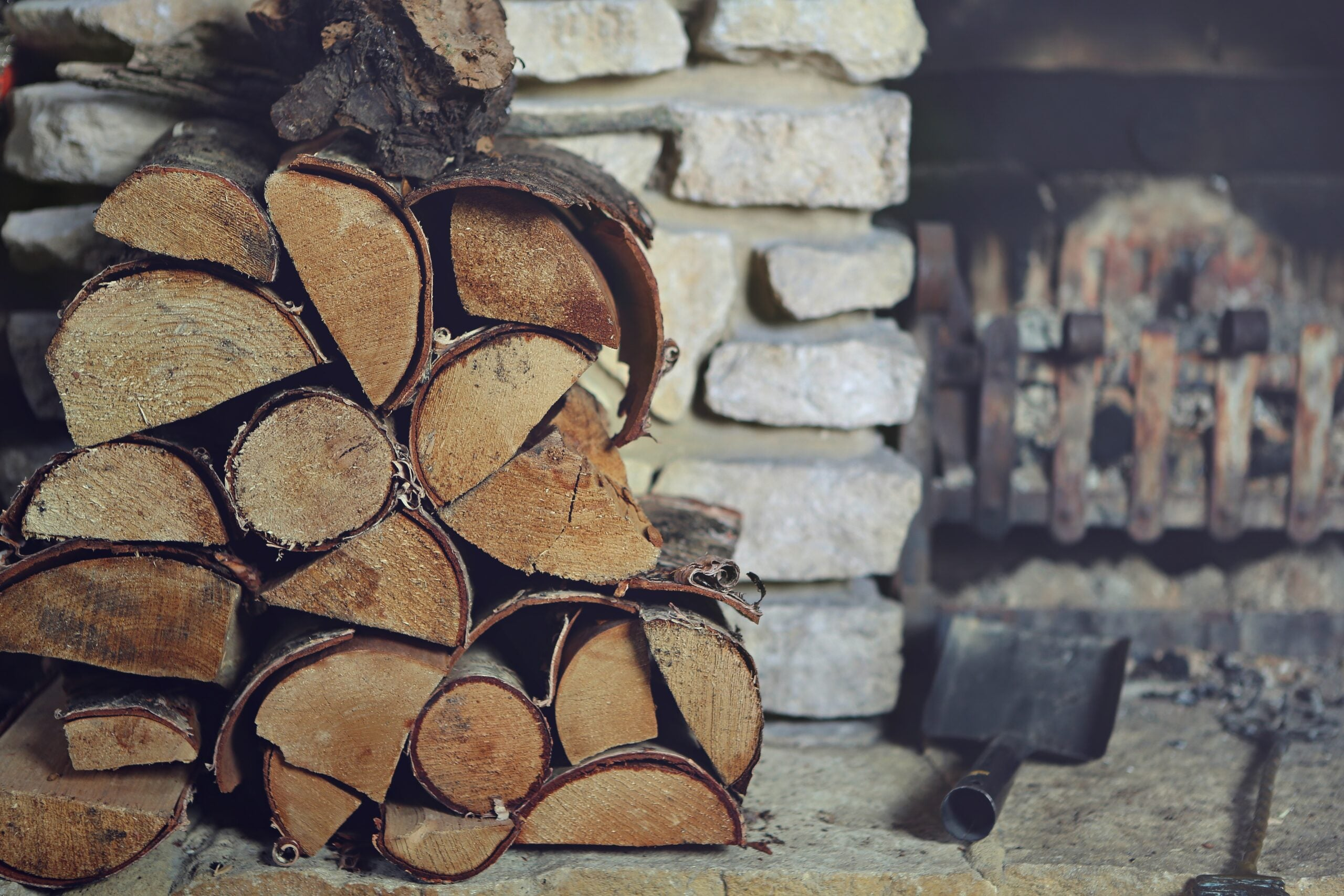 Three Things to Look For When Choosing a Firewood Rack