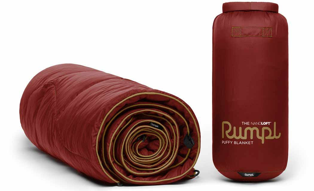 Rumpl camping blanket and free hydroflask