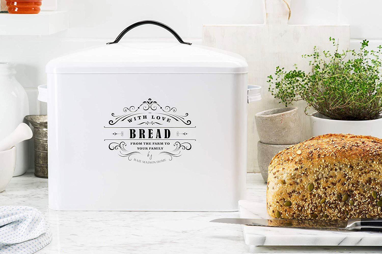 Three Things to Consider Before Buying a Bread Box