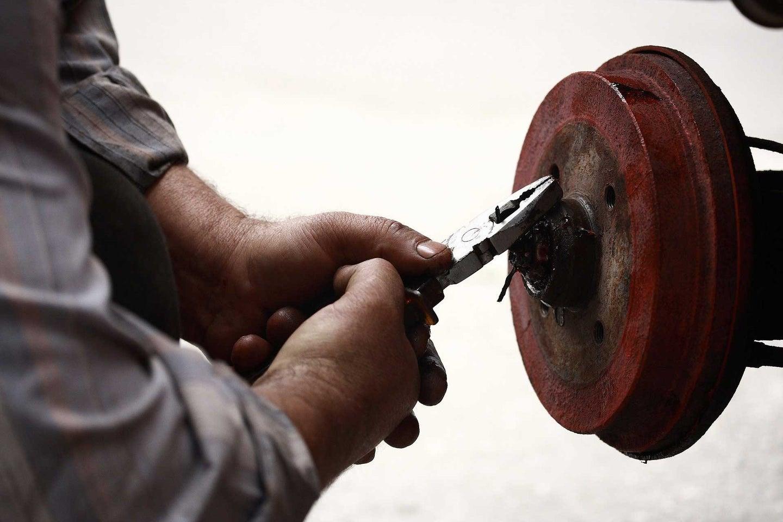 Garage repairman