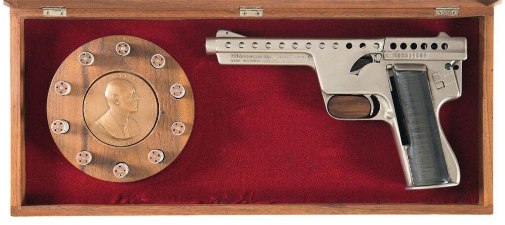 An MBA Gyroget handgun