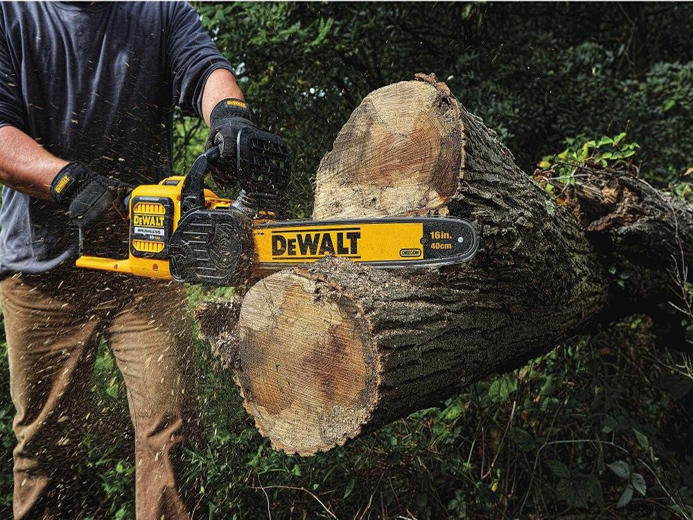 Selecting a cordless chainsaw