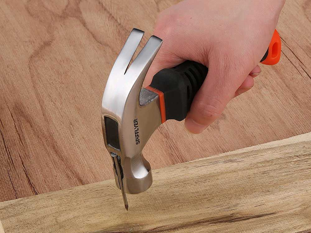 stubby hammers with magnetic slot built into the head