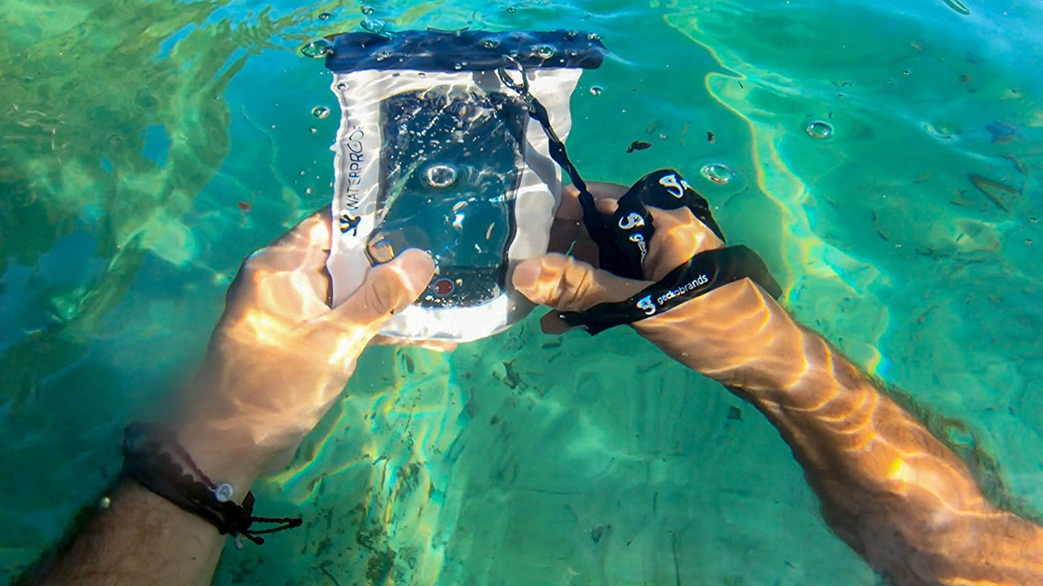 Transparent floating pouch