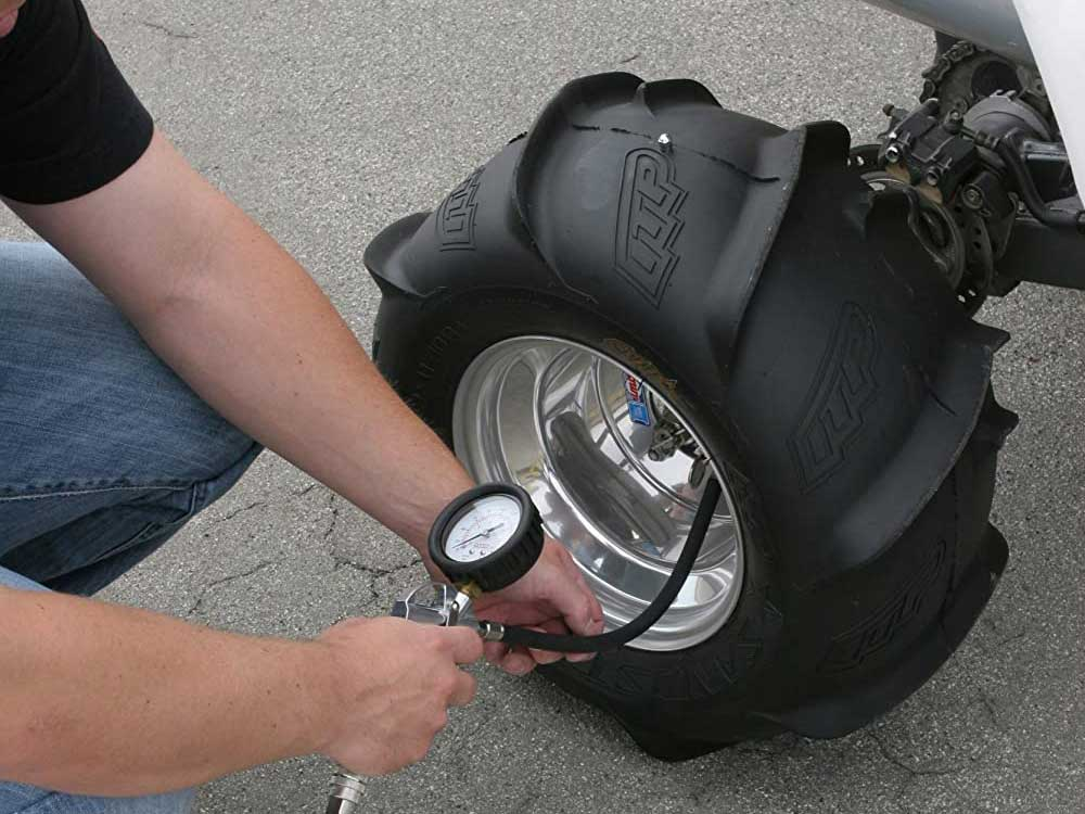Filling tire with VIAIR - 40045 400P-Automatic Function Portable Compressor