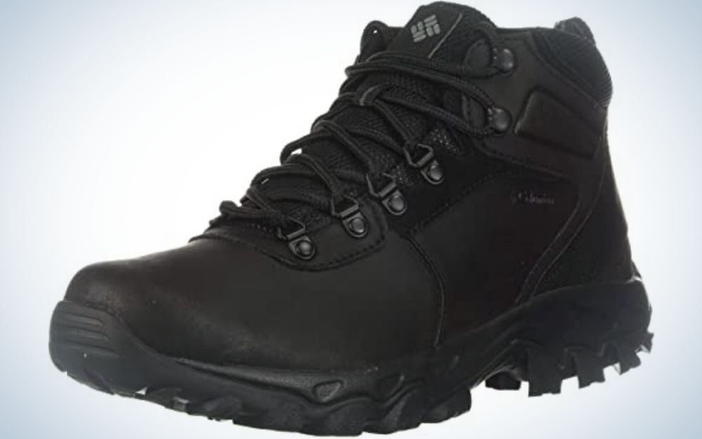 All black men hiking shoes with all black shoelaces into it.