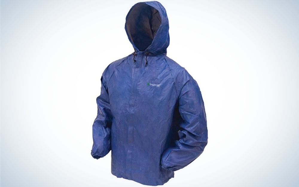 A strong blue rainy men jacket with a hood and pockets to put the hands.