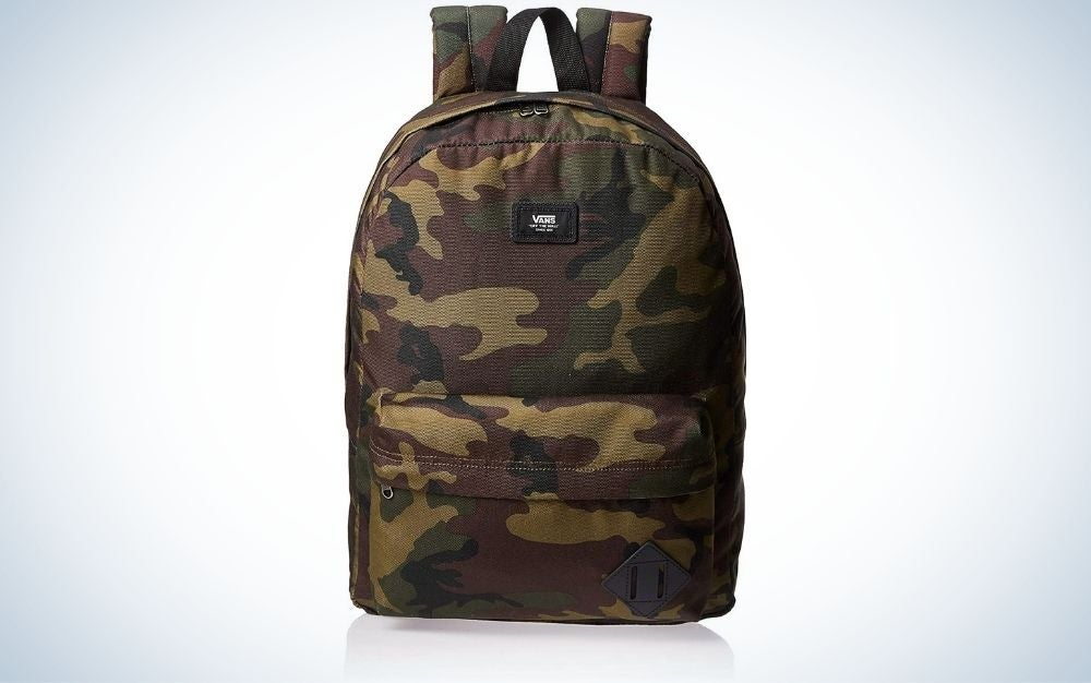 Classic Camo backpack with 2 zipper pockets