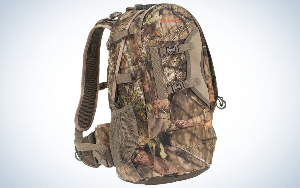 Pursuit pack, the best gifts for hunters under $100