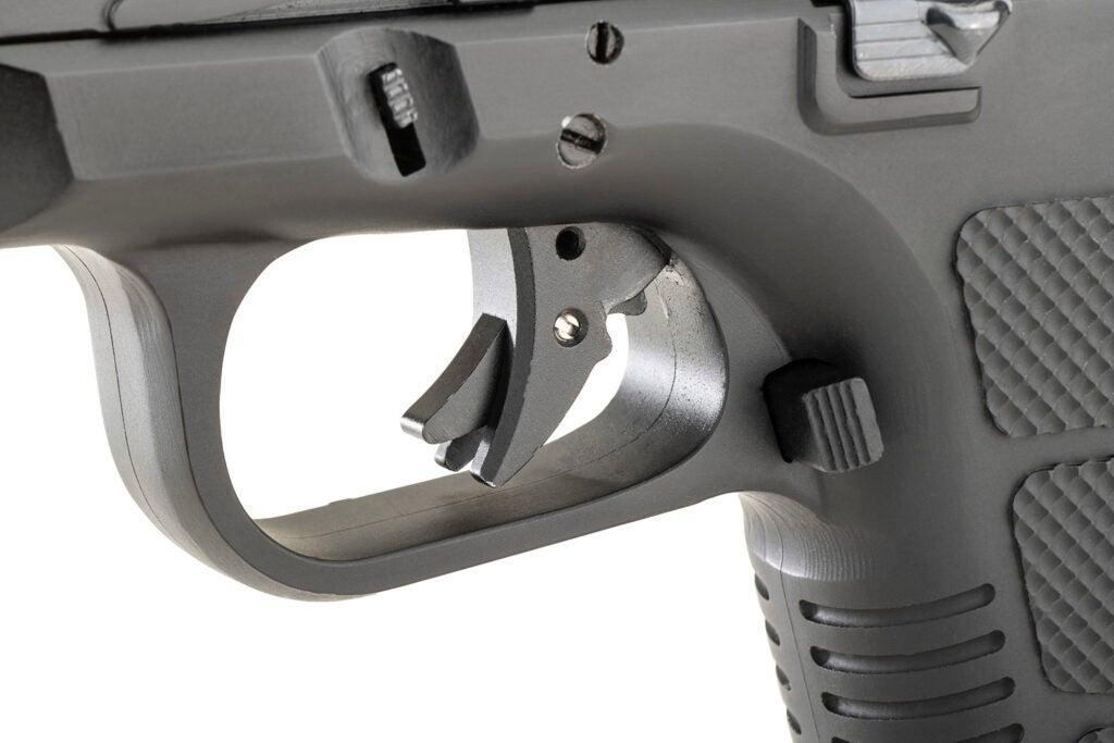 RIA STK100 trigger