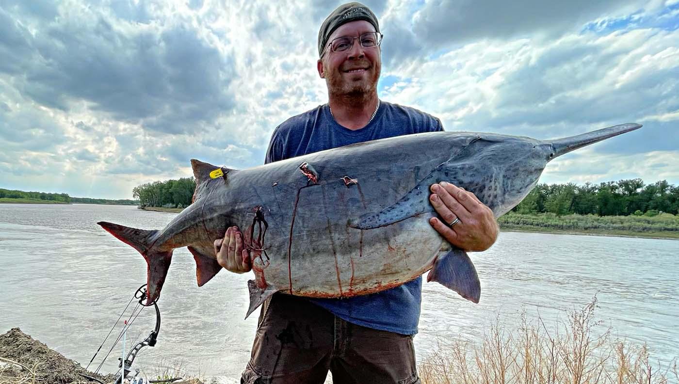 Steve Harris, Jr. with world-record paddlefish