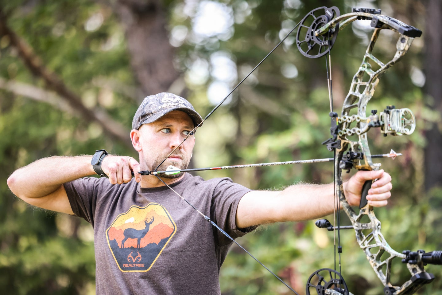 Will Brantley shoots Hoyt Ventum compound bow