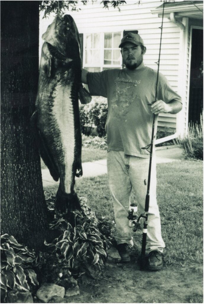 world record blue catfish caught by Charles Ashley